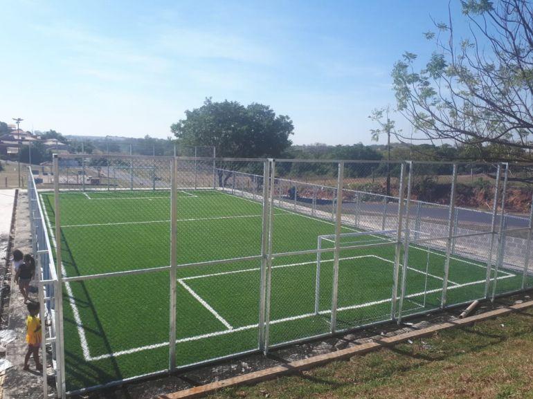 Cedida/Secom - Bairro conta agora com uma quadra com gramado sintético, com aproximadamente 500 m²