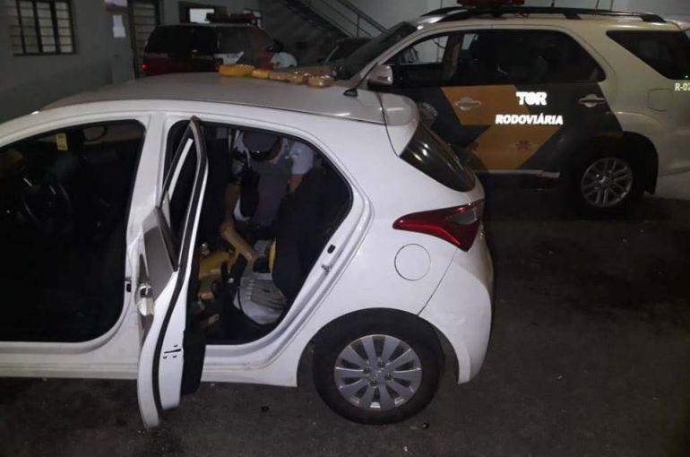 Polícia Militar Rodoviária - Entorpecente estava no interior do tanque de combustíveis de veículo, com placa da capital paulista