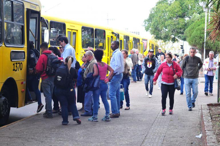 Marcio Oliveira - Semav informa que está à disposição para analisar reivindicações de usuários de ônibus