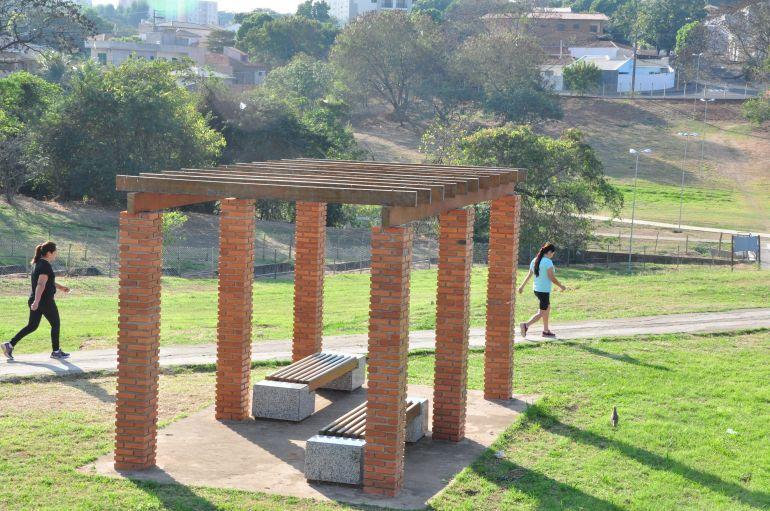 José Reis - Iluminação escassa à noite faz usuários buscarem parque durante o dia