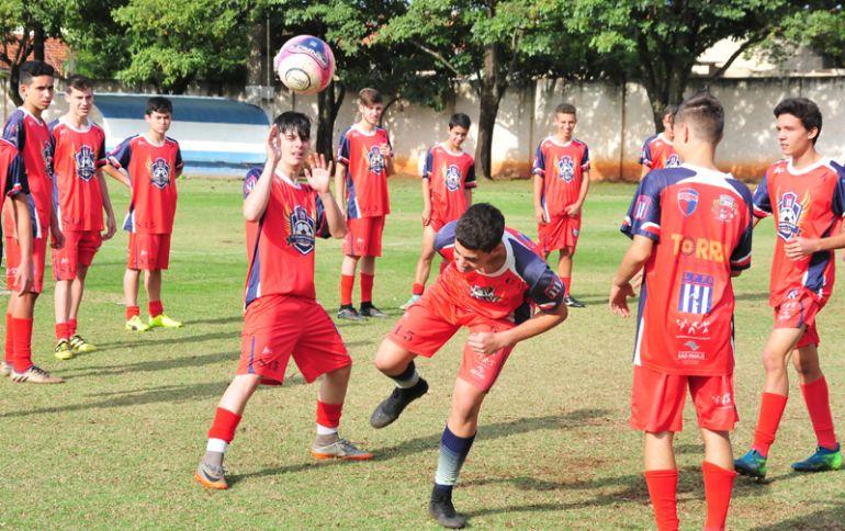 Marcio Oliveira:Bases do Grêmio Prudente treinam focando na terceira rodada;na foto, treino do sub-15