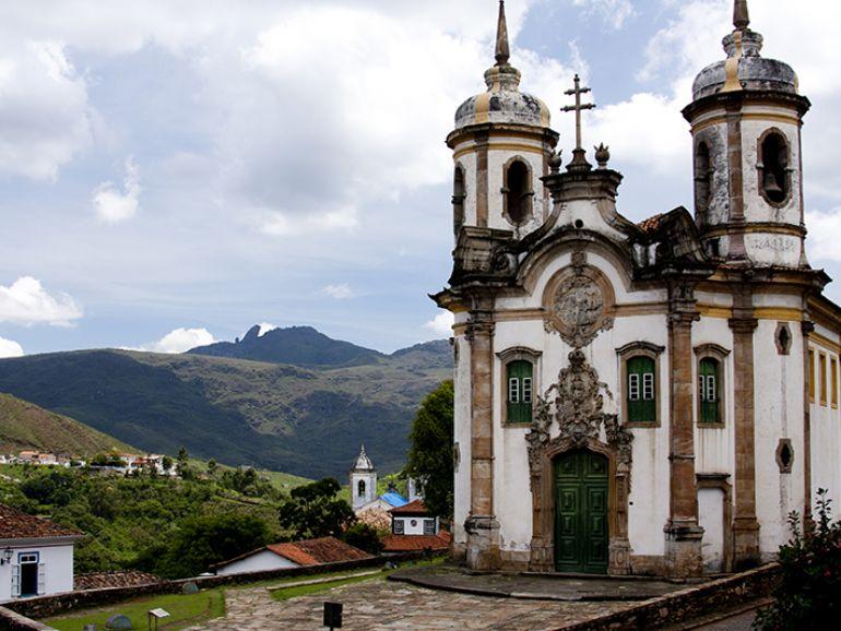 Adriano Kirihara - A Igreja São Francisco de Assis, construída em 1970, é um dos principais cartões postais de Ouro Preto
