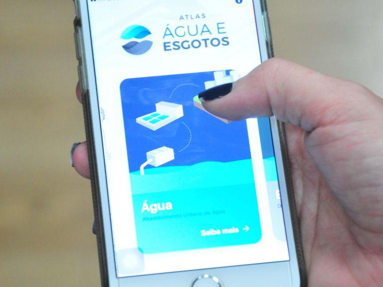 Reprodução - Atlas Água e Esgotos pode ser consultado através de aplicativo no celular