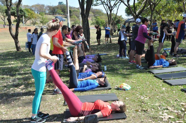 José Reis: Após a caminhada e corrida, os participantes ganharam um alongamento