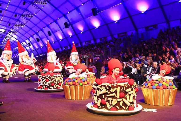 Cleiton Thiele:Desfile dos personagens do Natal, num cortejo grandioso de muita alegria emoção por Gramado