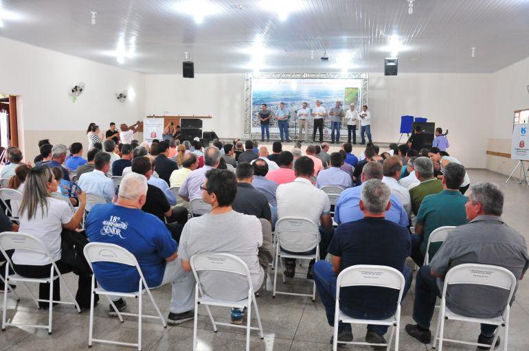 Marcio Oliveira - Entrega dos investimentos ocorreu no fim da tarde de ontem em Floresta do Sul