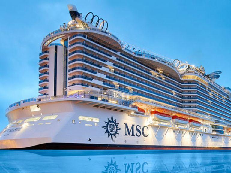 Navio tem passarelas de vidro sobre o mar e promenades 360º nos dois lados, permitindo vista completa do oceano para ser apreciada.
