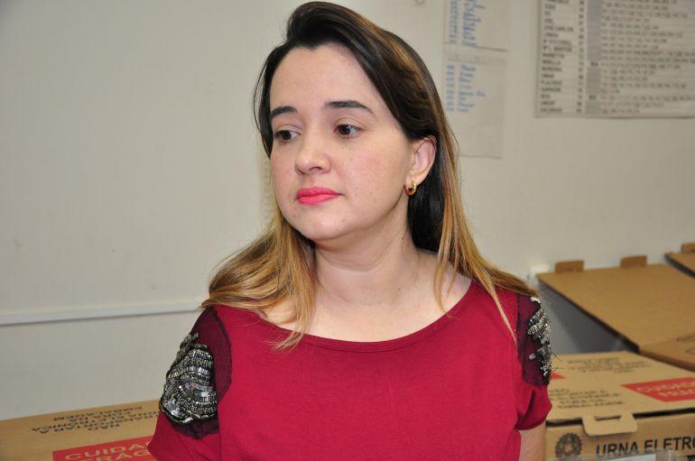 Arquivo - Letícia explica que no treinamento de mesários, uma das pautas tratadas foi a acessibilidade e inclusão