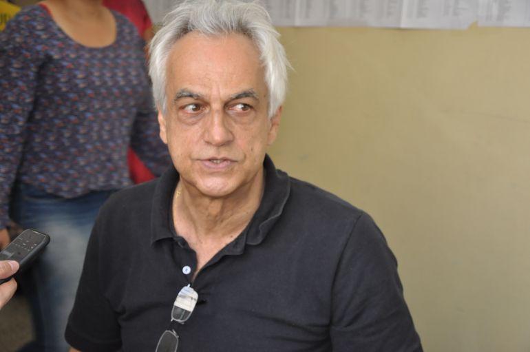 José Reis - Antônio afirma não ter problemas nas eleições por ser cadeirante