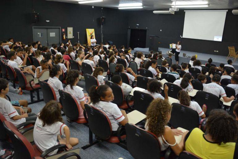 Guilherme Santana/Inova Prudente -  Atividade foi promovida hoje, por Adiane Mitidiero, na Fundação Inova Prudente