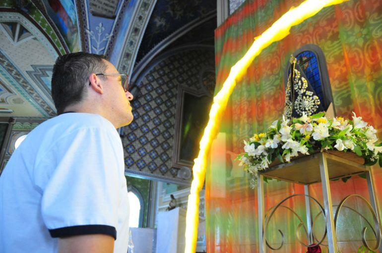 Marcio Oliveira:Fernando vive fervorosamente uma vida de amor e fé à Nossa Senhora Aparecida, mãe de Cristo Jesus
