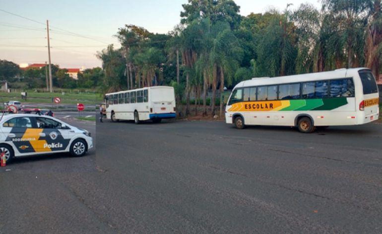 Polícia Militar Rodoviária - Ao todo, 5 veículos foram fiscalizados durante ação na manhã de ontem