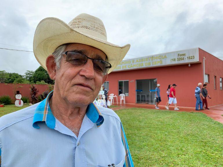 VOLUNTÁRIO Adelino Braga, presidente da Associação de Apoio ao Portador de Câncer de Iepê