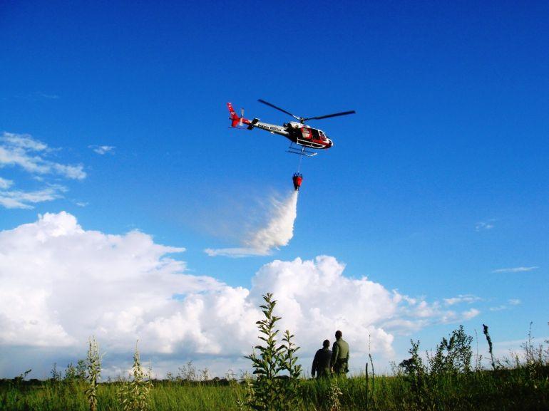 Polícia Militar - Helicóptero Águia auxiliou em 4 ocorrências de combate a incêndio