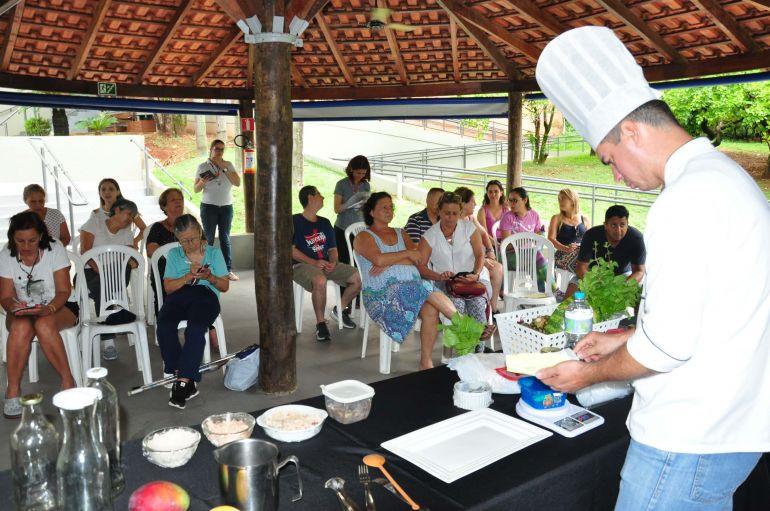 José Reis - Oficina de sucos e lanches saudáveis, ministrada por chef de cozinha, reuniu 20 pessoas no Sesc Thermas