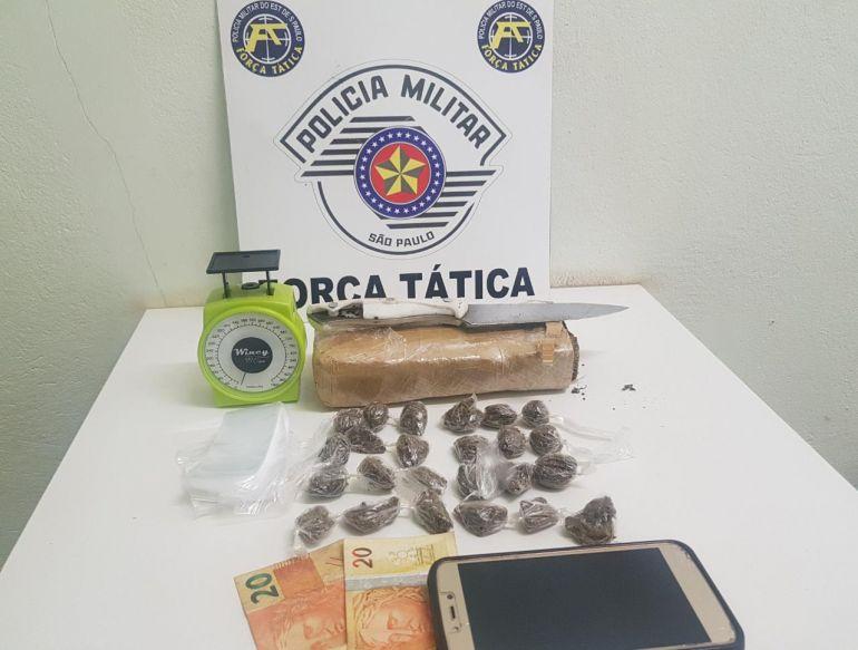 Polícia Militar - Prisão ocorreu após denúncia de tráficona Rua Martinópolis, em Machado