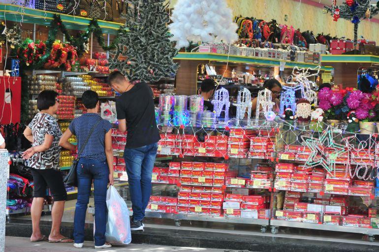 Marcio Oliveira - Com horário especial, lojistas estimam aquecer vendas de fim de ano