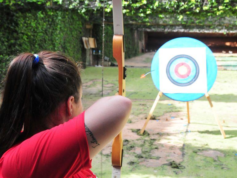 Marcio Oliveira - Oficina de arco e flecha é opção de lazer no Tênis Clube de PP