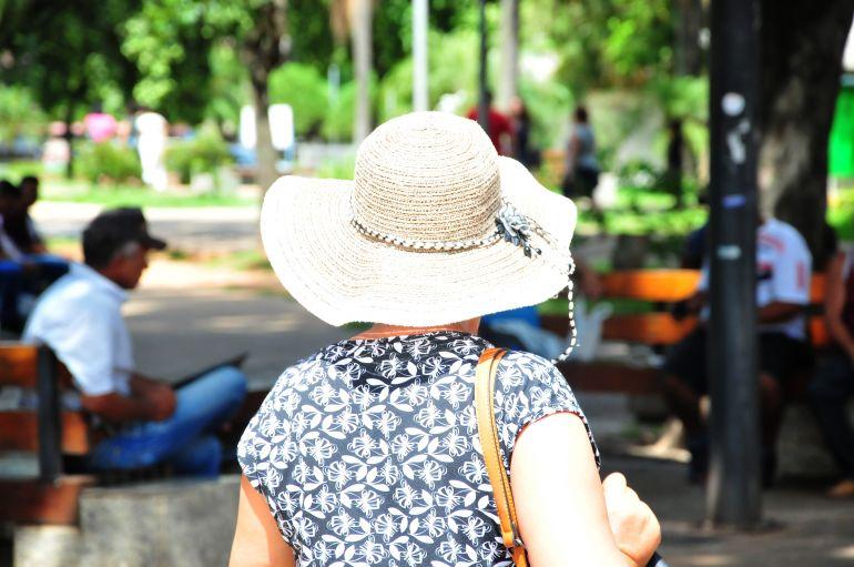 Marcio Oliveira - Chapéu éboa opção para se proteger do sol intenso do verão
