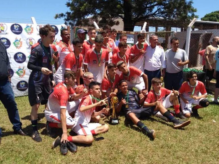 Cedida/Rogério Kawaguti Corazza - Equipe disputou sete jogos na competição, com seis vitórias e um empate