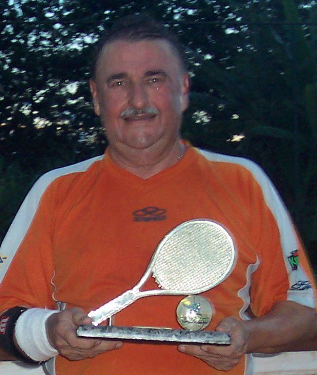 Arquivo - Cláudio se dedicava à prática de tênis de quadra - um de seus hobbies