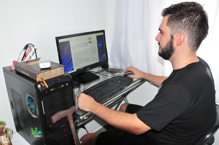 Marcio Oliveira - Salvador dedica seu tempo na produção de conteúdos para seu blog sobre esclerose múltipla