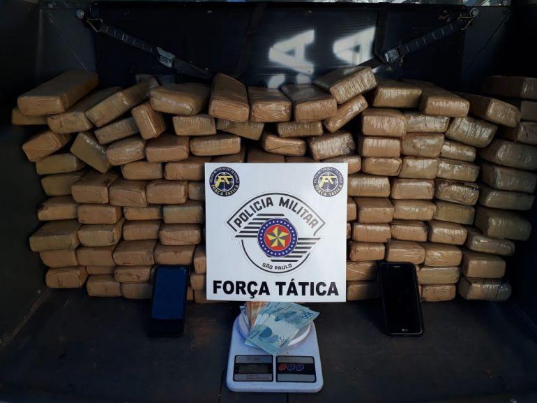 Polícia Militar - Apreensões de entorpecentes ocorreram em diferentes bairros de Presidente Prudente