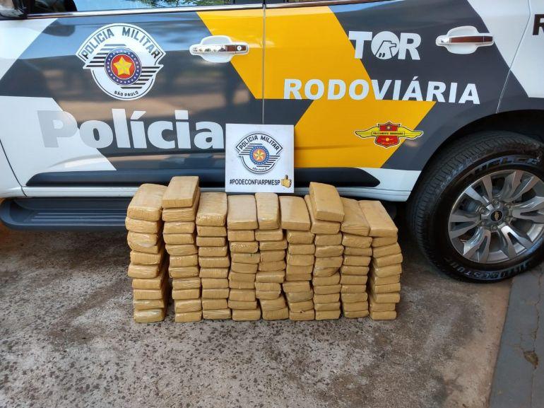 Polícia Militar Rodoviária - Entorpecente foi encontrado em veículo dirigido poradolescente