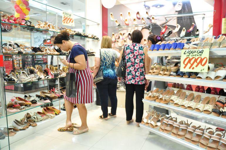 José Reis - Hoje, lojas abrirão as portas às 12h e seguirão com o Liquida Shopping até 20h