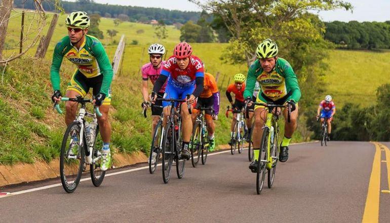 Cedida/Maurício Lobo Equipe Pastorinho/Liane/Semepp, de Prudente, esteve na 2ª Edição da Road Race, em 2018